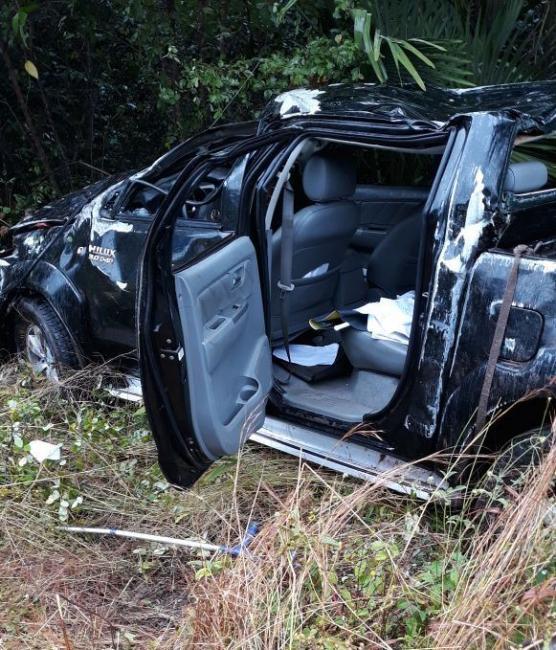 Advogado morre após caminhonete Hilux capotar na BR-343