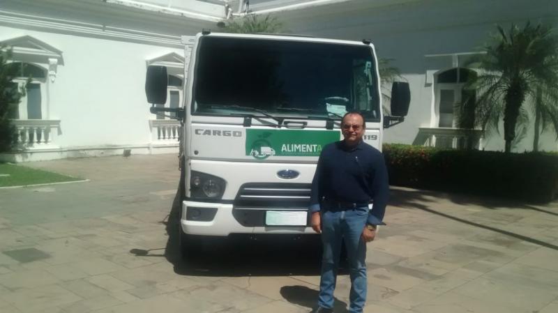Prefeito Alcimiro Pinheiro recebe caminhão para a agricultura municipal