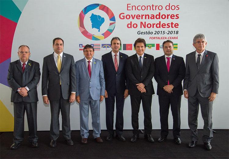 Governadores do Nordeste divulgam carta de repúdio a Moro