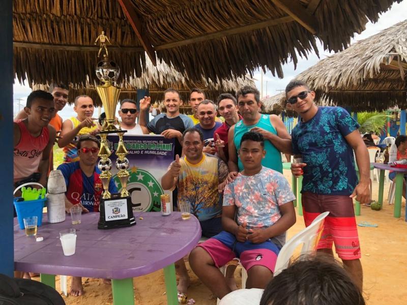Prefeito comemora título do atual campeão da Copa Zezé Bacelar no litoral
