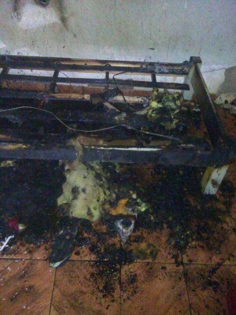 Residência em Oeiras é parcialmente destruída por incêndio