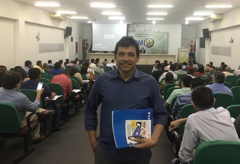 Prefeito Aurélio Sá participa do curso de Regularização Fundiária na APPM