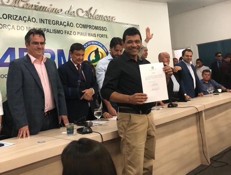 """Landri Sales é beneficiada com o programa """"Avançar Cidades"""""""