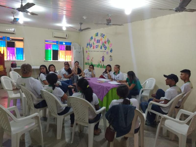Secretaria de Assistência  Social de Lagoinha realiza reunião com todos os funcionários