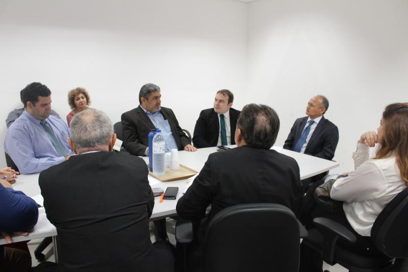 Hospitais e clínicas podem paralisar atividades no Piauí