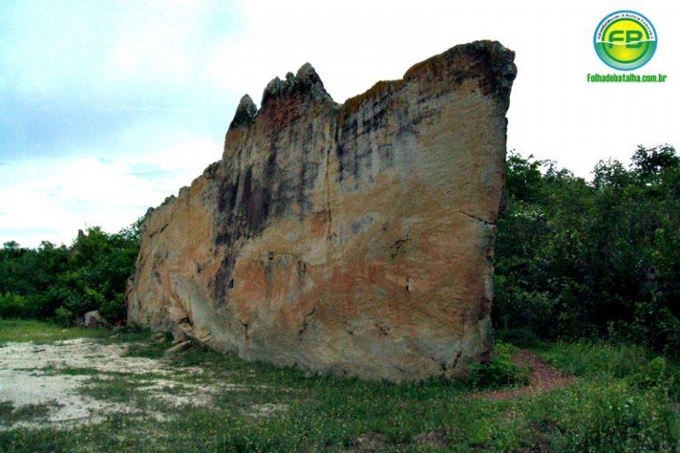 Audiência pública discutirá futuro da famosa pedra do letreiro em Batalha