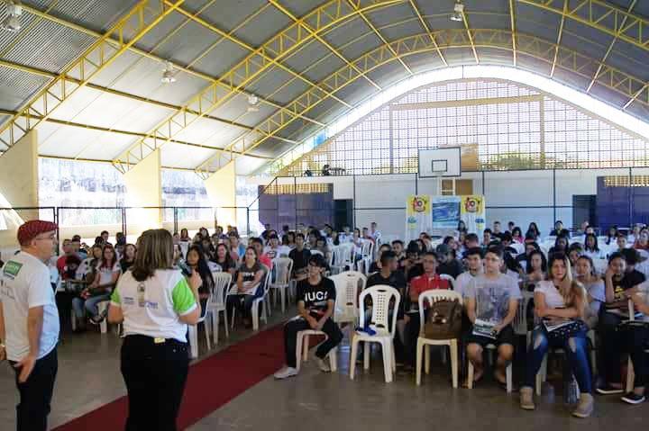 Centenas de estudantes participam da revisão Pré-Enem Seduc em Altos