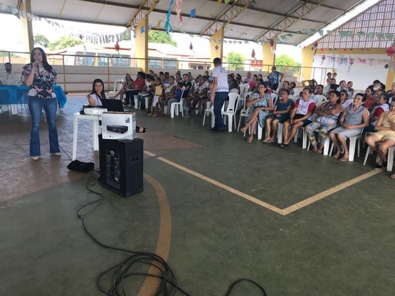 Prefeitura de Pau D'Arco realiza palestra para professores e pais de alunos