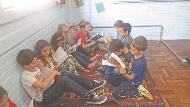 Pesquisa revela deficiência de alunos em leitura e matemática