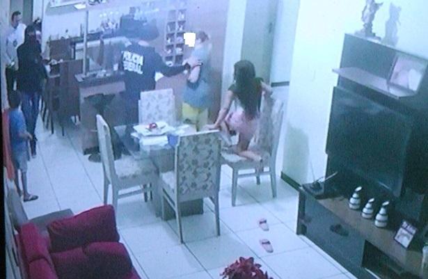 Bandidos disfarçados de agentes da PF roubam R$ 360 mil de residência no PI