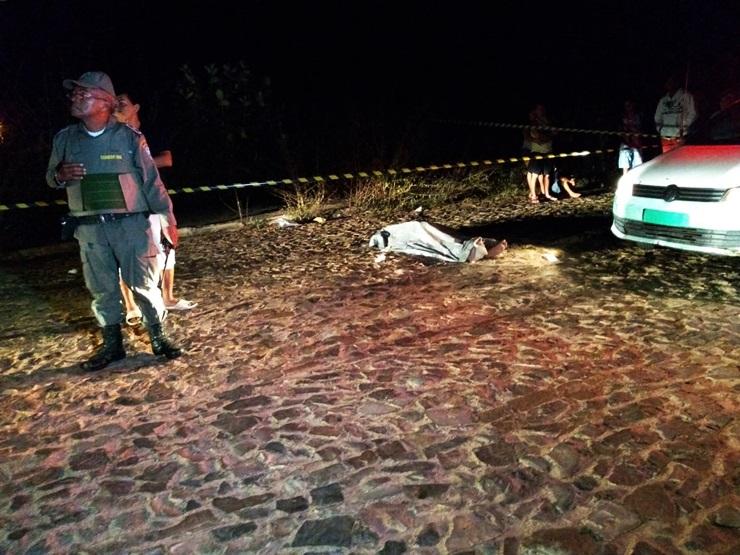 Homem morre atropelado por carro após cair de bicicleta no Piauí