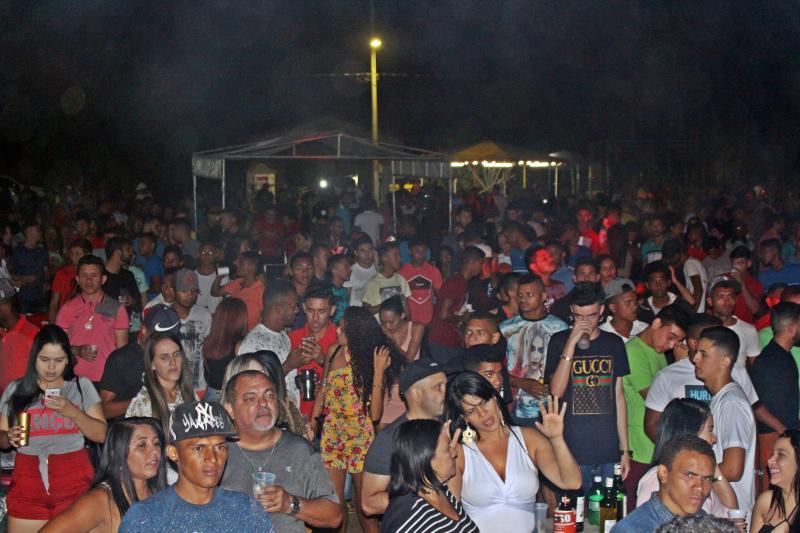 Último dia dos Festejos de Olho D'água reúne multidão