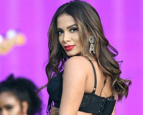 Anitta vira o maior cachê feminino da publicidade nacional