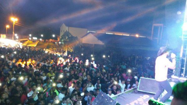 Multidão prestigia  encerramento dos Festejos de Marcos Parente