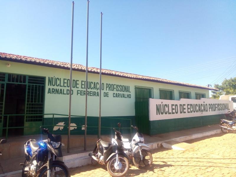Estão abertas as inscrições de cursos de português e Redação para o Enem