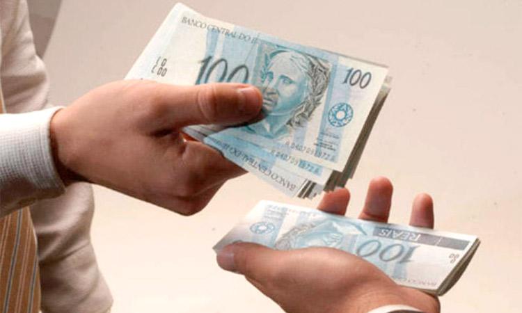 Governo antecipa 13º salário de aposentados e pensionistas