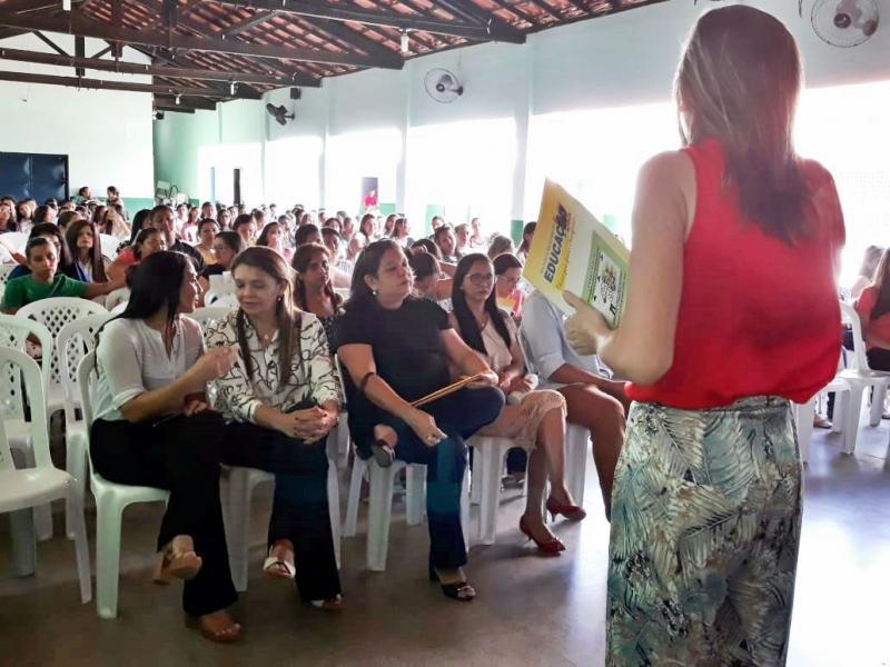 Educadores de Altos participam de Seminário do Pacto pela Alfabetização na Idade Certa