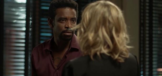 Segundo Sol: Karen e Roberval se beijam e Zefa impede tragédia familiar