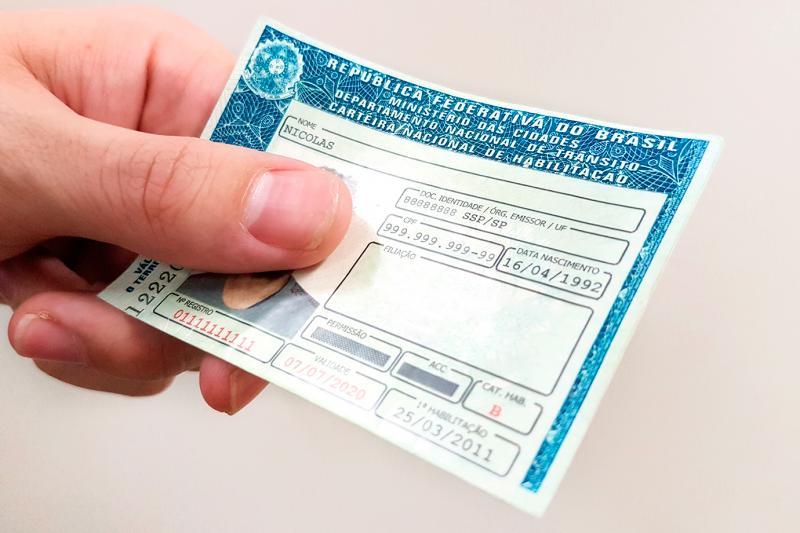 Notícia de cancelamento automático de CNH por dívidas é falsa