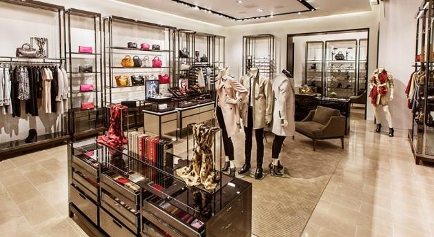 Marca de luxo queima R$ 141 milhões em produtos para não fazer promoção