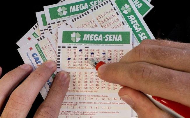 Mega-Sena acumula e deve pagar R$ 72 milhões