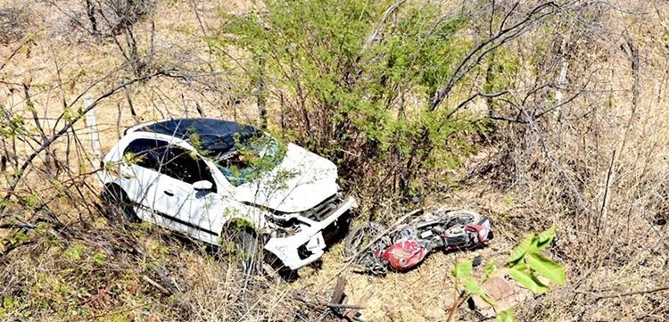 Colisão entre moto e carro deixa dois mortos na BR-316