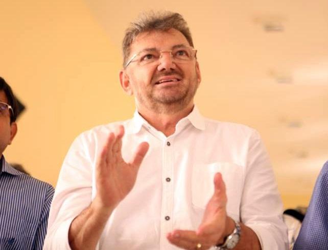 Wilson Martins admite possibilidade de ser candidato ao governo do Piauí