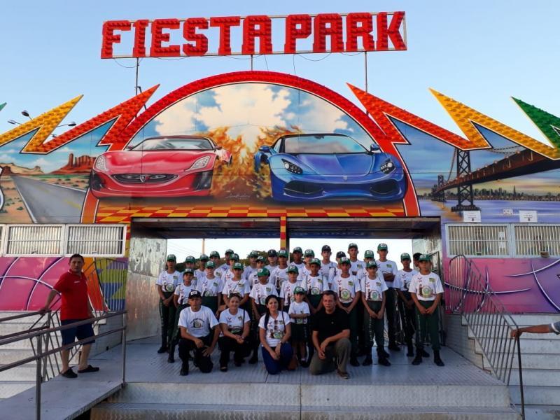Pelotão Mirim de Olho D'água visita Fiesta Park no Teresina Shopping