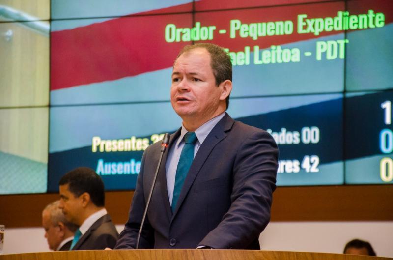 Rafael Leitoa lamenta descaso com a educação em Parnarama-MA