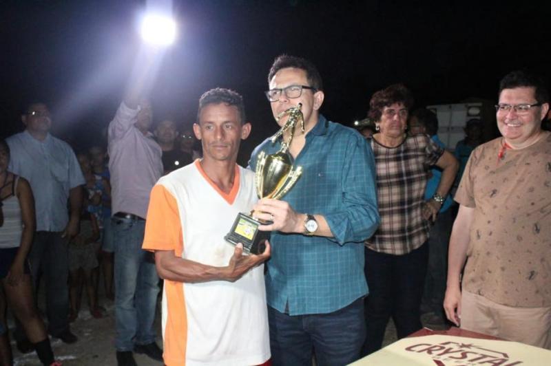 Deputado Zé Santana participa de premiação esportiva em Luzilândia