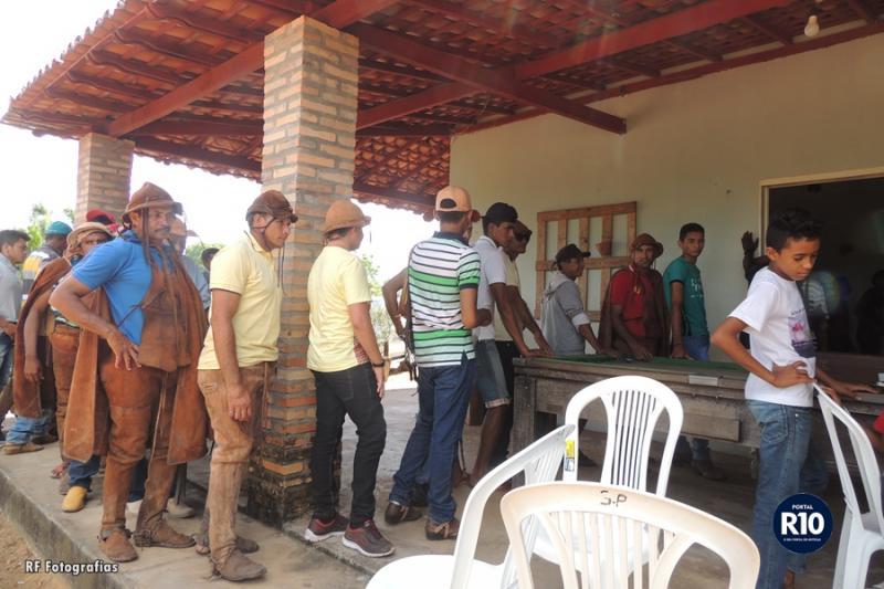 Prefeito Rômulo Aécio oferta almoço a todos os vaqueiros e visitantes em Campo Largo-PI
