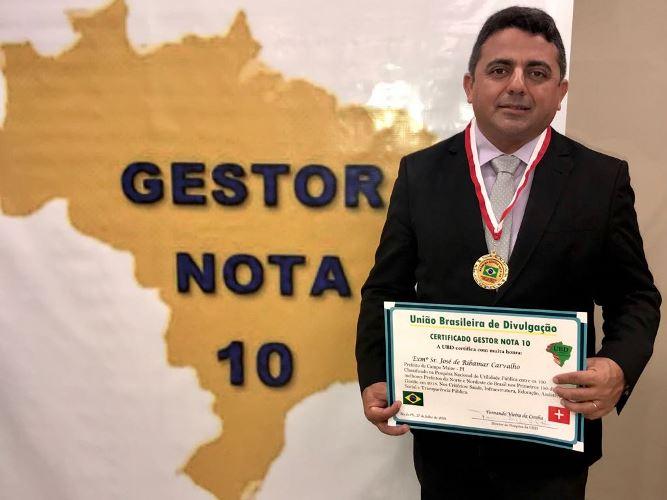Prefeito de Campo Maior recebe premio de gestor nota 10