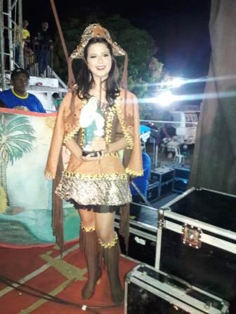 Lara Vitória é vencedora do Garota Alto Longa 2018