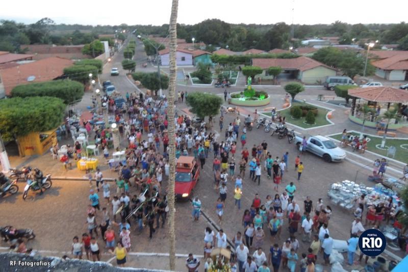 Procissão, Adoração e Bingo encerram festejos de São José em Campo Largo do Piauí/PI
