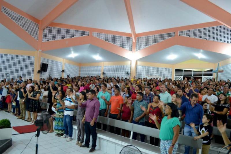 Multidão participa da última novena dos festejos de São José em Cabeceiras