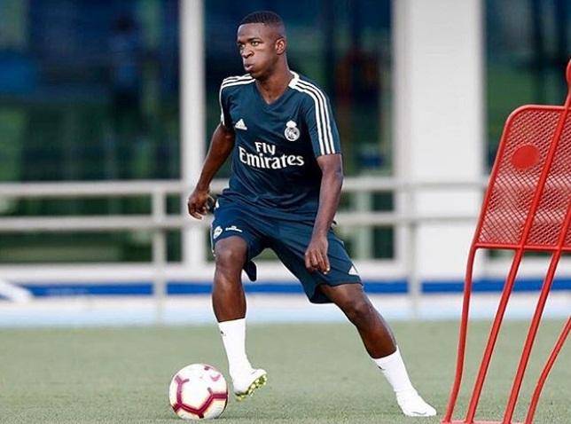 Vinícius Júnior será titular em sua estreia contra o Manchester United