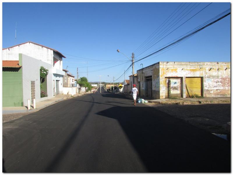 Asfaltamento das Avenidas Duque de Caxias e Castelo Branco