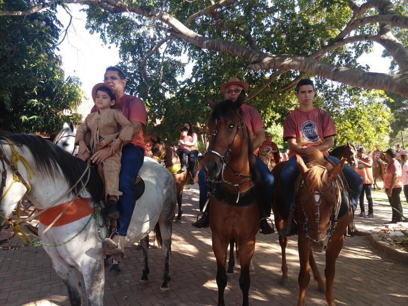 Demerval Lobão | Café da manhã, missa e corrida de cavalo animam o dia do vaqueiro; veja