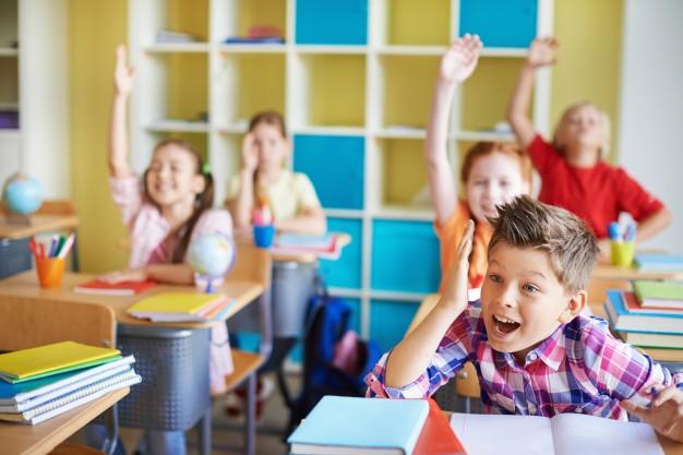 Criança só pode entrar no ensino fundamental se fizer 6 anos