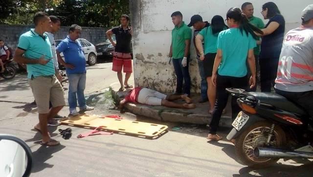 Jovem empina pneu de moto e causa acidente próximo ao Hospital de Esperantina