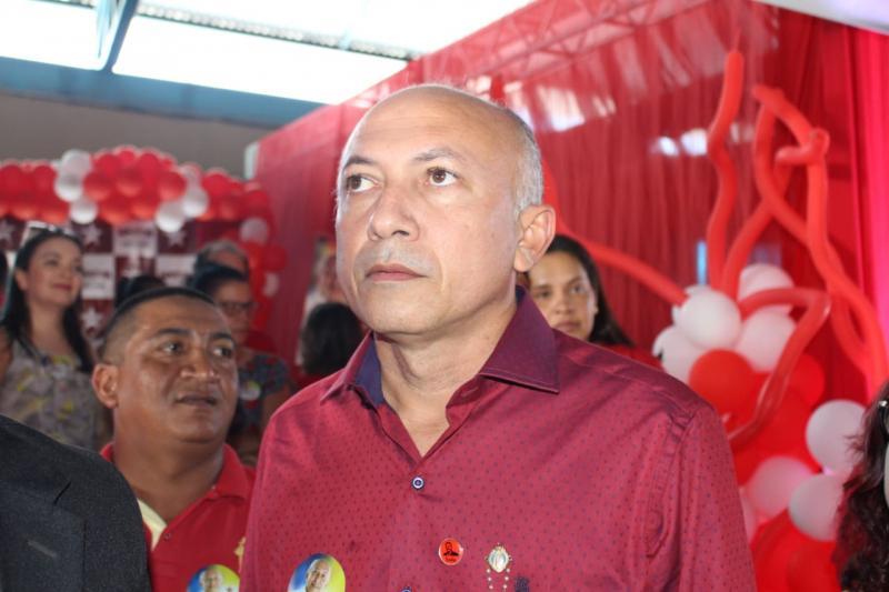 Warton Lacerda oficializa candidatura a deputado estadual