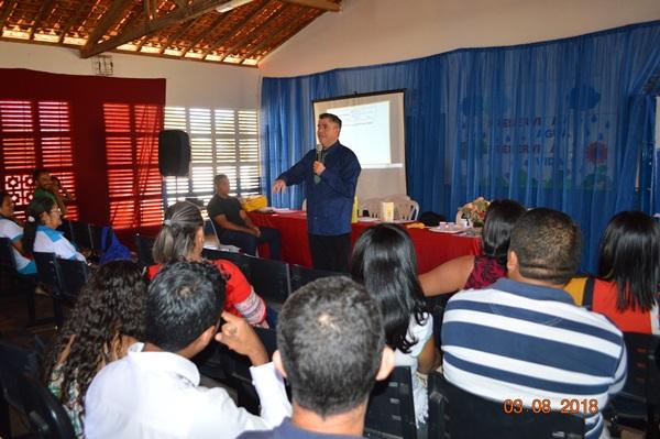 O palestrante e professor Nelson Gonçalves fez palestra motivacional em Colônia do Gurgueia