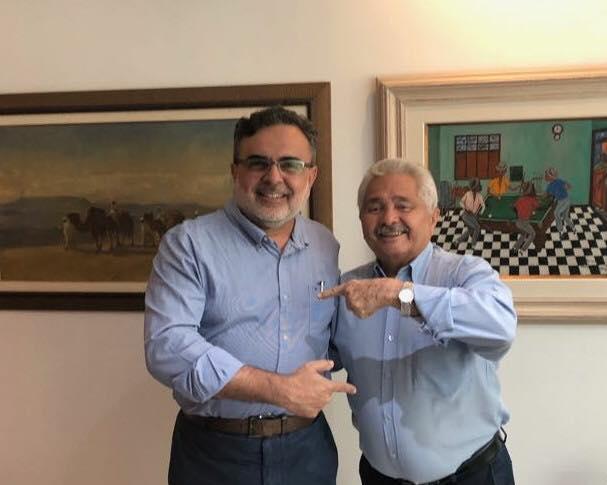 Elmano Férrer anuncia Luiz Airton como seu vice