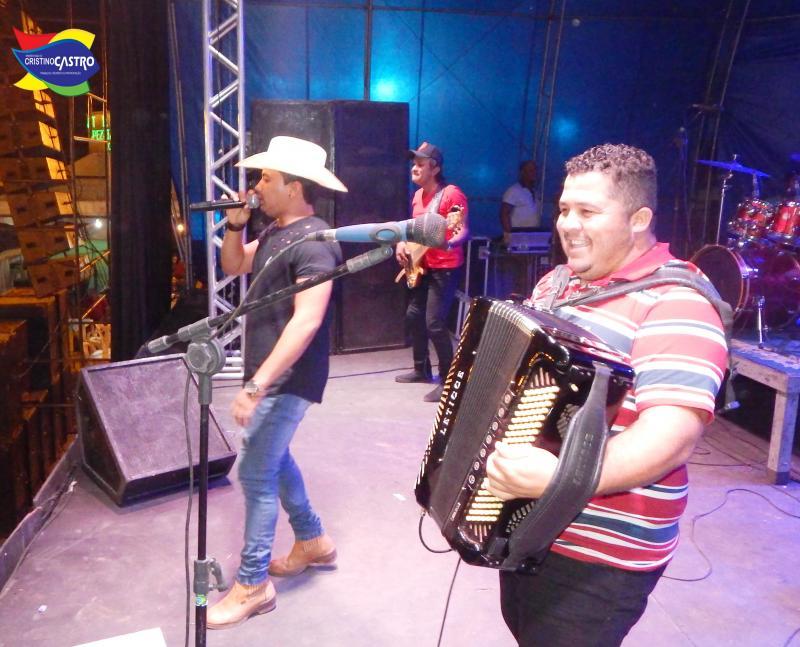 Lucas do Acordeon animou a segunda noite de festa dos festejo de Cristino Castro