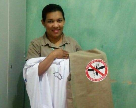 Secretaria de Saúde entrega uniforme e materiais para funcionários