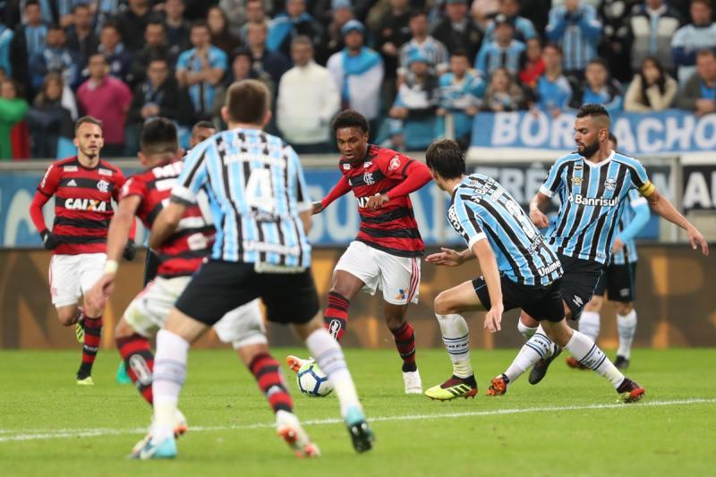 Grêmio vence e deixa Flamengo ameaçado de perder liderança