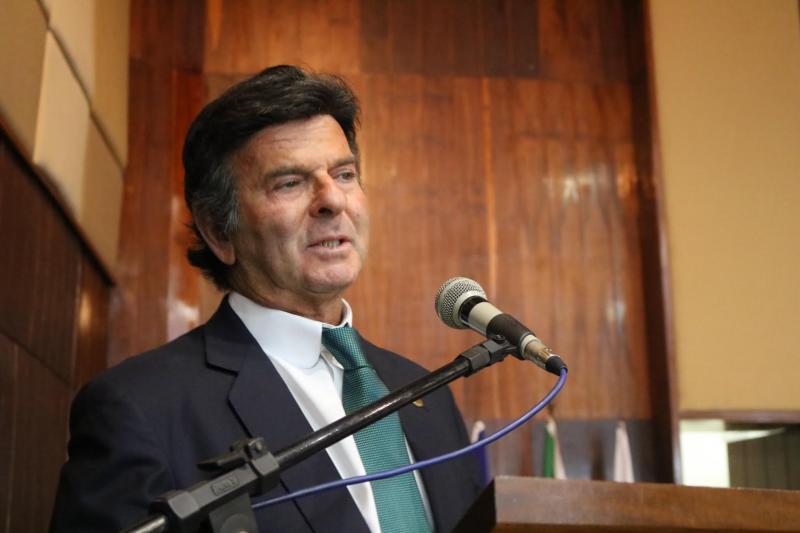 Ministro Luiz Fux encerra Congresso de Direito em Teresina