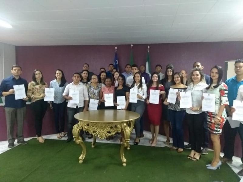 Demerval Lobão | Servidores aprovados em concurso tomam posse em solenidade na câmara municipal