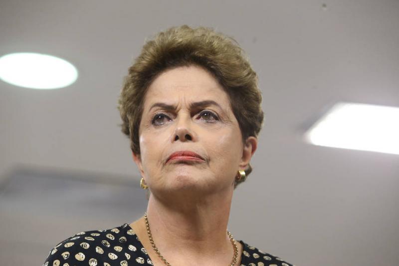 PT oficializa candidatura de Dilma ao Senado