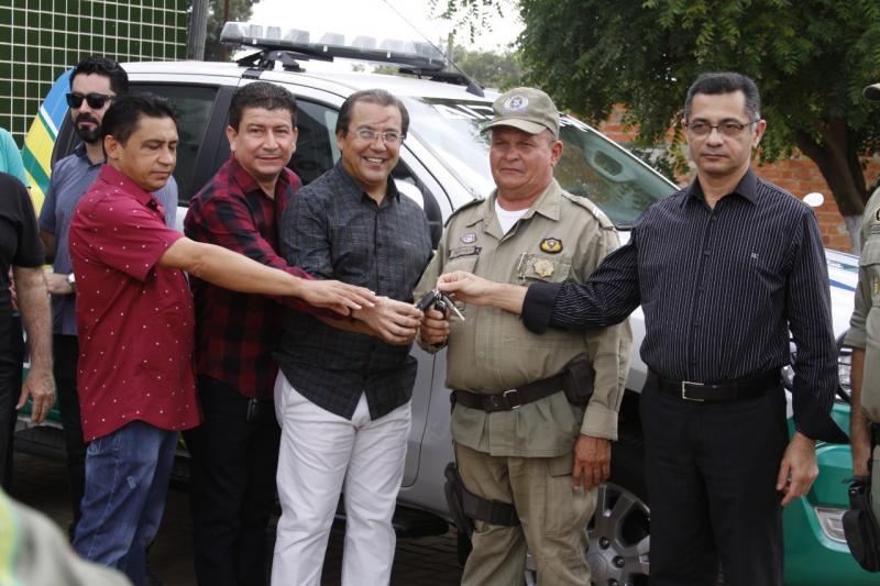 Batalhão da PM de Água Branca recebe nova viatura e equipamentos de segurança